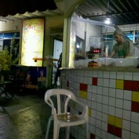 Photo taken at Po-Pe-Di Lanches by Gustavo H. T. on 1/2/2012