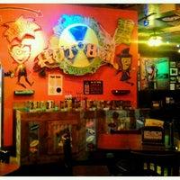 รูปภาพถ่ายที่ Tijuana Flats โดย Sarah W. เมื่อ 10/23/2011