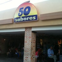 Photo taken at Sorveteria 50 Sabores by Fábio B. on 11/19/2011