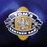 2/24/2012にMiguel Antonio P.がTOM'S Leather Barで撮った写真