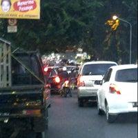 Photo taken at perempatan Jatingaleh by Yudhi H on 3/30/2012