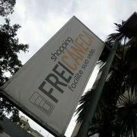 Foto tirada no(a) Shopping Frei Caneca por Marina C. em 1/25/2012