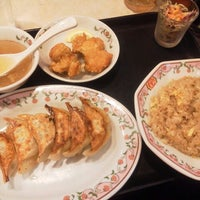 Photo taken at Gyoza no Ohsho by ゆあさ け. on 9/11/2012