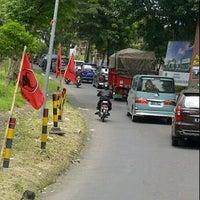 "Photo taken at Gerbang : ""Selamat Datang di Kota Wisata Batu"" by Swacita A. on 1/22/2012"
