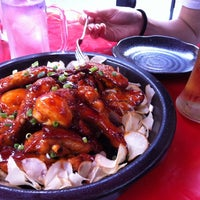 Photo taken at 오븐에 빠진 닭 by HyungKi H. on 9/10/2011
