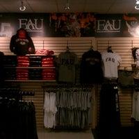 Photo taken at FAU Boca Raton Bookstore by David on 10/15/2011