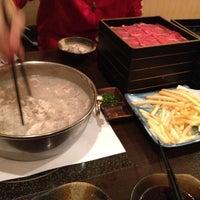 Photo taken at 銀座しゃぶ虎 さいたま北店 by たける し. on 3/29/2012