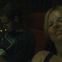 Photo prise au Scappoose Cinema 7 par Beth H. le8/13/2012