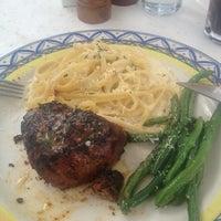 Das Foto wurde bei BRAVO! Cucina Italiana von Jess B. am 8/20/2012 aufgenommen