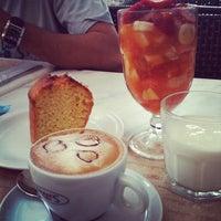 Photo taken at Fran's Café by Fitnessdesconto E. on 1/29/2012