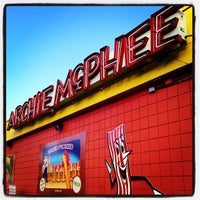 Foto tirada no(a) Archie McPhee por Rob H. em 1/26/2012