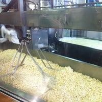 Das Foto wurde bei Beecher's Handmade Cheese von Cat P. am 12/7/2011 aufgenommen