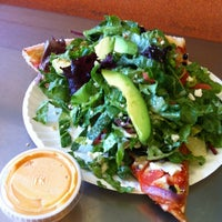 Снимок сделан в Abbot's Pizza Company пользователем Craig B. 3/13/2012