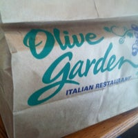 Photo taken at Olive Garden by Jeremy R. on 8/9/2011
