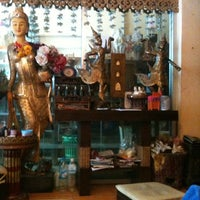 Photo taken at ตะไคร้หอม นวดแผนไทย by เบียร์ ย. on 9/8/2012