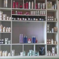 Photo taken at E Geovanni Salon by Dannielle S. on 8/21/2011