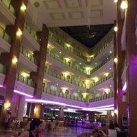 Photo taken at Queen Elizabeth Elite Suite Hotel by Дмитрий Я. on 7/29/2012