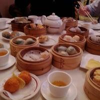 Photo taken at Golden Unicorn Restaurant 麒麟金閣 by Sebastian D. on 1/26/2012