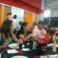 Photo taken at A Favorita Pizzaria by André R. on 12/27/2011