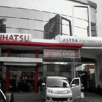 Photo taken at Astra Daihatsu Asia Afrika by Rendra D. on 3/31/2012