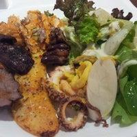 Foto scattata a Paulinho's Grill da Enderson M. il 8/24/2012