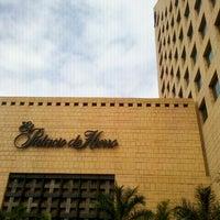 Foto tomada en El Palacio de Hierro por Raymundo G. el 10/9/2011