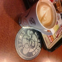 Photo taken at 伯朗咖啡館 Mr. Brown Coffee by 張家碩 C. on 3/25/2011
