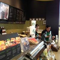 Foto diambil di Starbucks oleh Inti A. pada 5/7/2012