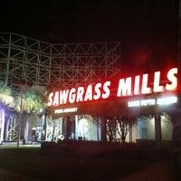 Foto tomada en Sawgrass Mills por Angelisa el 11/21/2011