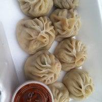 Photo prise au Potala Restaurant par Diane C. le3/24/2012