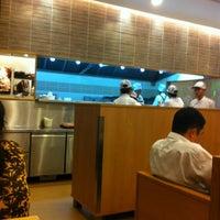 Das Foto wurde bei Hachiban Ramen von Ong Ka-Choozz am 4/24/2012 aufgenommen