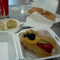 Photo taken at Pasteles y Compañia by Evelyn S. on 9/10/2011