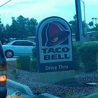 Photo taken at Taco Bell by Jyeza 🍄 S. on 7/12/2012