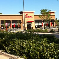 Photo taken at Chick-fil-A Orland Park by Matt W. on 8/15/2011