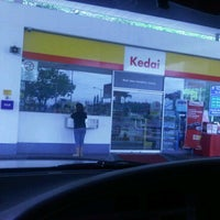 Photo taken at Shell by Kyn ッ. on 4/3/2011