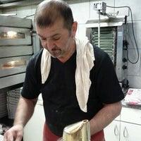 Photo taken at Ali's Pizza & Kebap by Loemmel R. on 6/2/2011