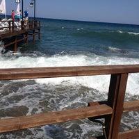 Photo prise au Ambiance Restaurant par Eda K. le8/7/2012