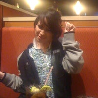 Photo taken at Pizza Hut by Gb L. on 12/4/2011