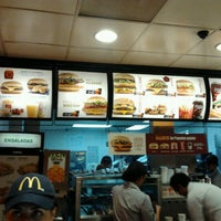 Photo taken at McDonald's by Beto Fernandez on 10/29/2011