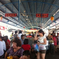 Photo taken at Apollo Hokkien Mee by Eric L. on 5/27/2012