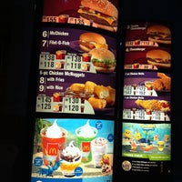 Photo taken at McDonald's by Earvin M. on 3/27/2011