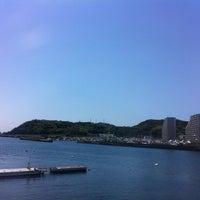 Photo taken at 海の観えるパン屋さん ワンこぱん by meemee ★. on 5/5/2012
