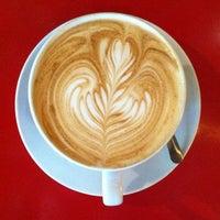 7/25/2012 tarihinde Brad G.ziyaretçi tarafından Espresso Vivace'de çekilen fotoğraf