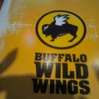 Photo taken at Buffalo Wild Wings by MzBLB💋 on 8/17/2012