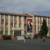 Photo taken at Bahcelievler Anadolu Lisesi by Aykut A. on 5/27/2012