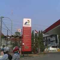 Photo taken at SPBU Pertamina 34-15120 by Biam d. on 9/2/2012