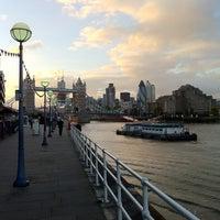 Foto tomada en Butler's Wharf por Romain D. el 8/30/2012