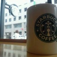 Photo taken at Starbucks by ふーみん ザ. on 6/18/2012