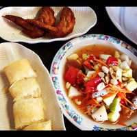 Photo taken at ร้านอาหารฉำฉา by Thareerat G. on 8/24/2012
