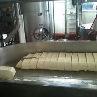 Снимок сделан в Beecher's Handmade Cheese пользователем Haley B. 4/4/2012